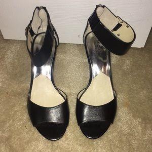 Michael Kors NWOB open toed heel sandals sz 9